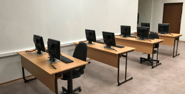 Business-Academy-Secondary-School-in-Slovakia-5.png