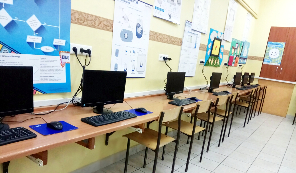 No1-Primary-School-in-Ostrzeszow-Poland-2.jpg