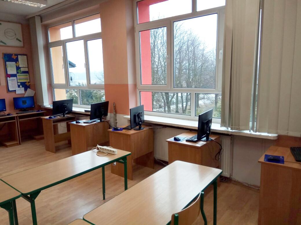 Primary-School-in-Wolka-Radzyminska-in-Poland5.jpg