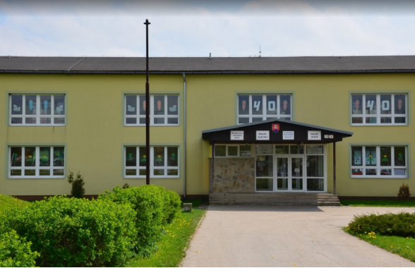 Zborov-Elementary-School-in-Slovakia-1.png